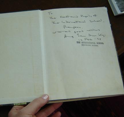Signedbook2_2